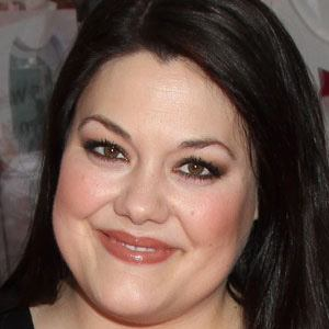 Brooke Elliott Age