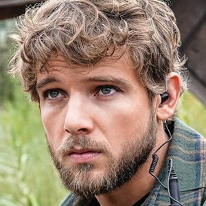 Max Thieriot Age