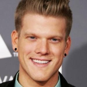Scott Hoying Age