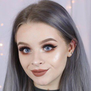 Sophdoesnails Age