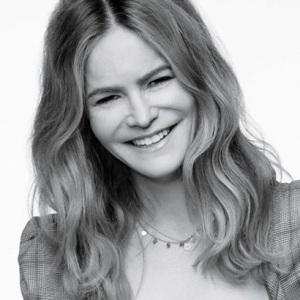 Jennifer Jason Leigh Age