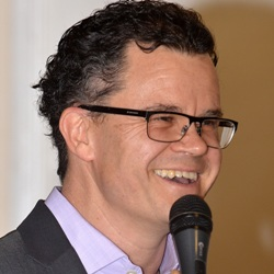 Dominic Holland Age