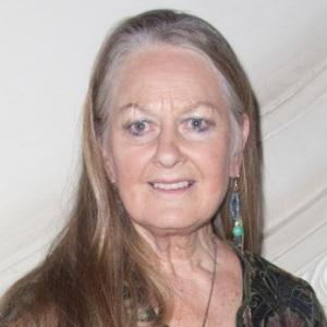 Anna Carteret Age
