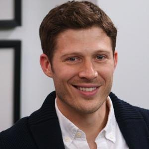 Zach Gilford Age