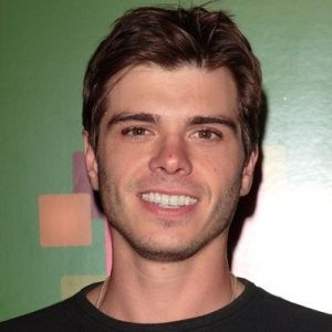 Matthew Lawrence Age