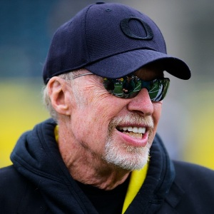 Phil Knight Age