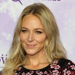 Jewel Kilcher Age