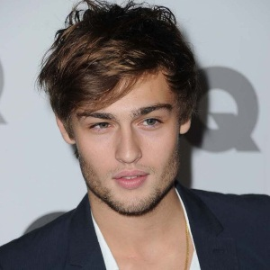 Douglas Booth Age
