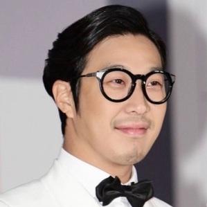 Ha Dong Hoon Age