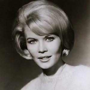 Dorothy Provine Age