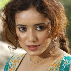 Shreya Narayan Age